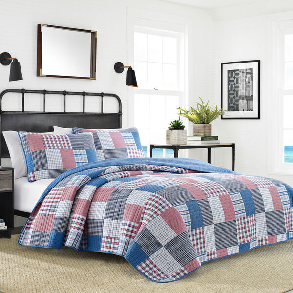 Seaside Full/Queen Quilt Set in Navy & Red Patchwork - Nautica Red