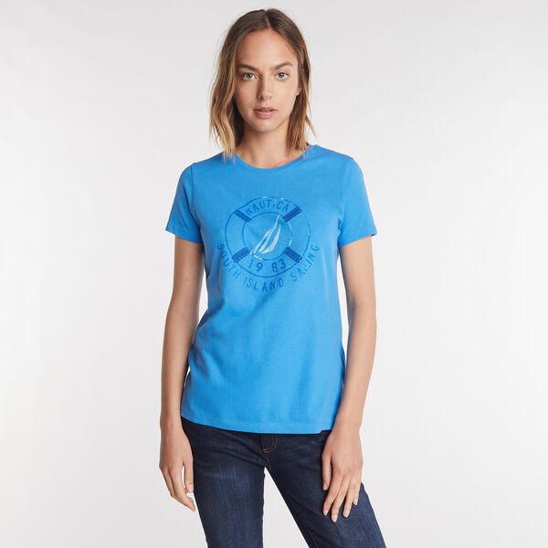 SOUTH ISLAND SAILING GRAPHIC TEE - Clear Skies Blue