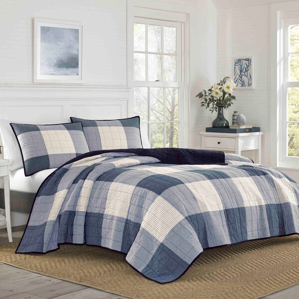 Bartow Twin Quilt in Navy - Pure Dark Pacific Wash