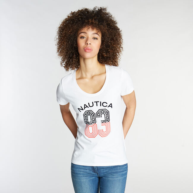 CLASSIC FIT SCOOP NECK T-SHIRT IN '83 GRAPHIC,Bright White,large