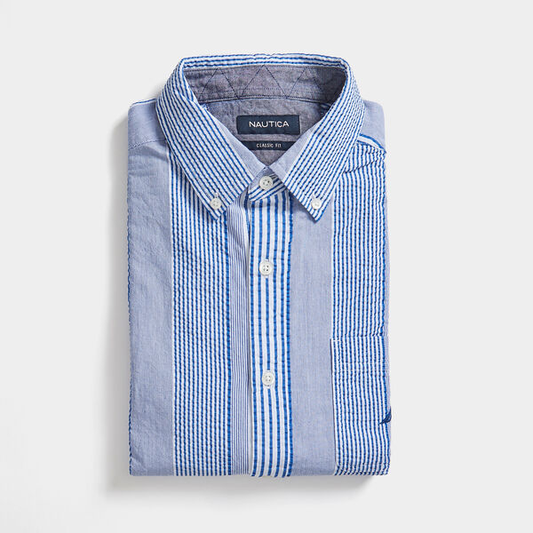 CLASSIC FIT SEERSUCKER STRIPE SHIRT - Windsurf Blue