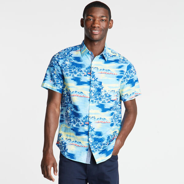 Short Sleeve Classic Fit Shirt in Print - Medallion Blue