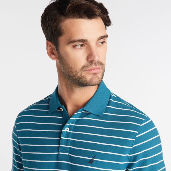 Nautica: Open for 50% off Fall must-haves