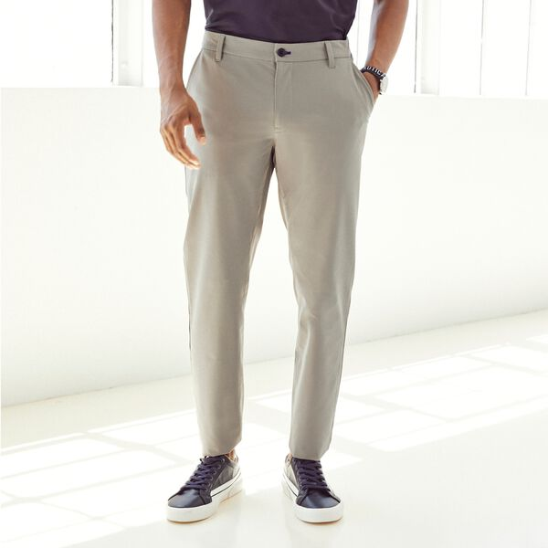 SLIM FIT NAVTECH TRAVELER PANT - Pewter Grey