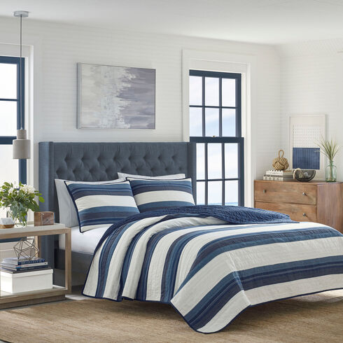 Briars Navy Full/Queen Quilt - Noon Blue