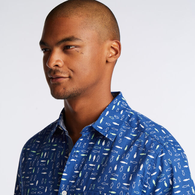 CLASSIC FIT SHORT SLEEVE SHIRT IN RETRO FISH PRINT,Clear Sky Blue,large