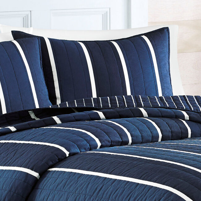 Knots Bay Quilted Standard Sham,Navy,large