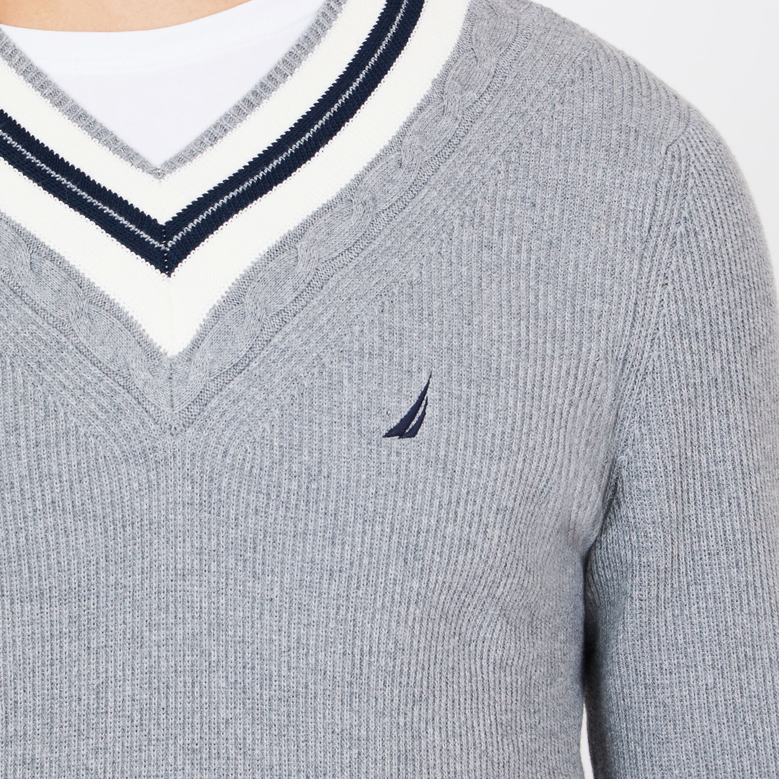CABLE TIPPED V NECK SWEATER