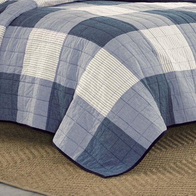 Bartow King Quilt in Navy,Pure Dark Pacific Wash,large