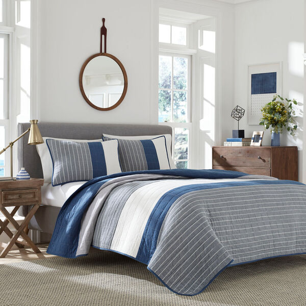 Swale Navy Quilt - Navy