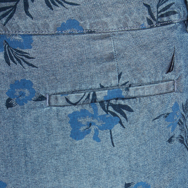 CLASSIC FIT CHAMBRAY SHORT IN ORCHID PRINT,Crest Blue,large