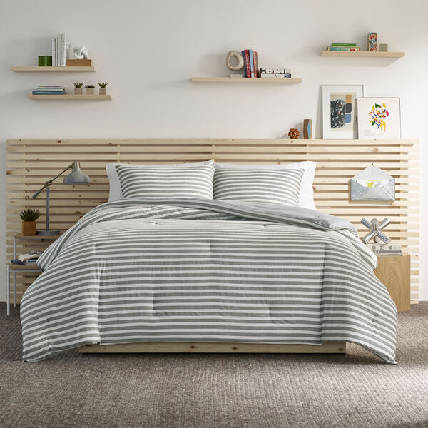 NAUTICA JEANS CO. REVERSIBLE STRIPED KING COMFORTER-SHAM SET - Multi